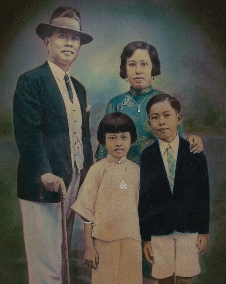 A family photo of Seow Poh Leng, Polly Seow (whose life was the inspiration behind Emily in Emily of Emerald Hill), Rosie Seow and Dr Seow Sieu Jin (RI 1939, Headboy) (Photo courtesy of Stella Kon)