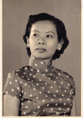 Rosie Seow aka Kheng Lim was a serious actress, theatre buff and play-goer, having amassed a huge collection of theatre programmes of plays seen in Singapore and abroad (Photo courtesy of Professor Patricia Lin)
