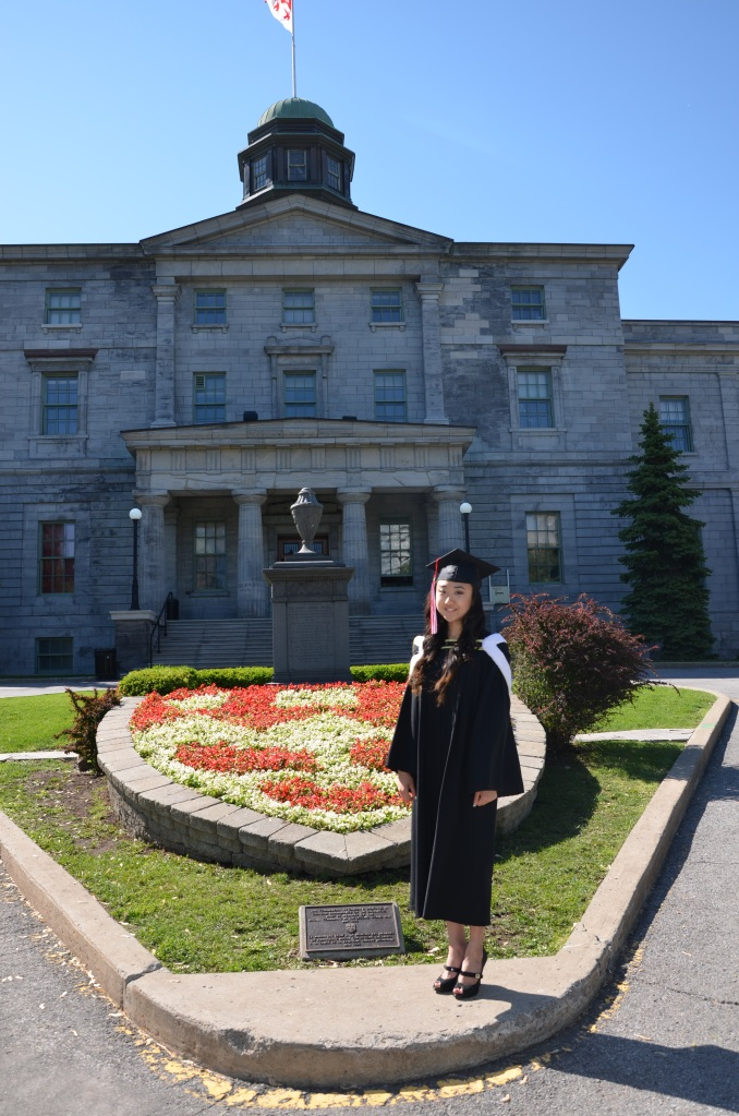Amy at her commencement ceremony for  graduating from BSc (Neuroscience) in May 2013